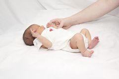 niemowlak TARGET1981_0_ grymaśna matka Zdjęcia Royalty Free