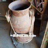 Nieociosana rocznika mleka puszka Zdjęcie Stock