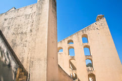 Nieociosane ściany obserwatorium Jantar Mantar Fotografia Stock