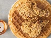 Nieociosanej południowej amerykańskiej wygody kurczaka karmowy gofr Obraz Stock