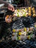 Nieociosani kurczaków kebabs zdjęcia royalty free