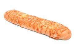 Nieociosany chleb z przetwarzającym serem na białym tle, Świeży i wyśmienicie serowy baguette piekarni projekta wizerunku produkt zdjęcia royalty free