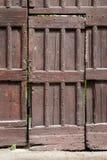 Nieociosany drewniany drzwi, widoczny Zdjęcie Stock