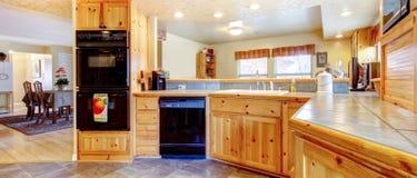 Nieociosany kuchenny wnętrze zdjęcia royalty free