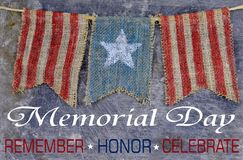 Nieociosany Memorial Day wizerunek burlap flagi fotografia royalty free