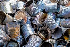 Nieociosany metal w zaniechanym junkyard obraz stock