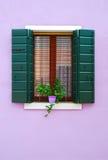 Nieociosany okno, Burano wyspa, Wenecja Obrazy Stock