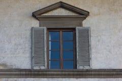 Nieociosany okno w budynku w Siena fotografia stock
