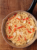 Nieociosany tradycyjny włoski aglio olio spaghetti makaron Fotografia Royalty Free
