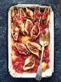 Nieociosany włoch faszerujący conchiglie makaron zdjęcie royalty free