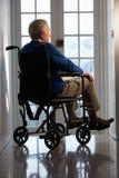 niepełnosprawny mężczyzna seniora wózek inwalidzki Fotografia Stock