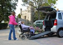 niepełnosprawny ruchliwości pacjenta transport Zdjęcia Royalty Free