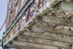 Niepotrzebna struktura z Ośniedziałym Steelwork Zdjęcia Royalty Free