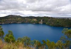 Nieprawdopodobny Błękitny jezioro przy Mt gambirem Zdjęcie Royalty Free