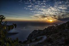 Nieprawdopodobny Turcja zmierzch nad morzem w niebie zadziwia chmury i nadzwyczajnym obrazku one, Obraz Stock