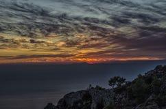 Nieprawdopodobny Turcja zmierzch nad morzem z konturami wyspa Rhodes Fotografia Royalty Free