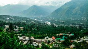 Nieprawdopodobny widok góry i greenery w Manali, India obrazy royalty free