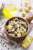 Nier, met aardappels en groenten in het zuur wordt gestoofd die Stock Foto