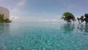 Nieskończoność basenu błękitne wody i nieba wideo zbiory