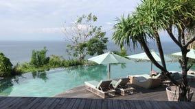 Nieskończoność drzewka palmowe przy luksusowym kurortem na Bali wyspie i, Indonezja zbiory
