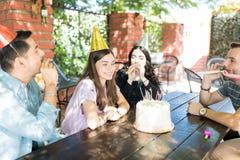 Niespodzianki przyjęcie urodzinowe Dla najlepszego przyjaciela obrazy stock