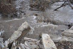 Niespokojna wiosny rzeka Fotografia Royalty Free