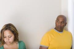 Nieszczęśliwy pary argumentowanie i mieć związków problemy obrazy royalty free