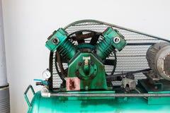 Niet filter voor de drievoudige compressoren van de cilinder vergeldende lucht  Stock Afbeelding