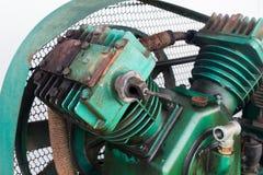 Niet filter voor de drievoudige compressoren van de cilinder vergeldende lucht  Stock Foto