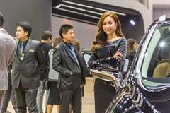 Niet geïdentificeerd model bij de Internationale Motor Expo van Thailand Stock Foto's
