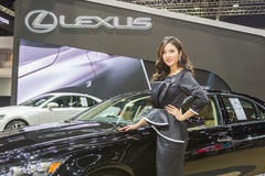 Niet geïdentificeerd model bij de 33ste Internationale Motor Exp van Thailand Stock Afbeeldingen