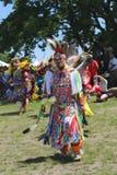 Niet geïdentificeerde Inheemse Amerikaanse dansers bij NYC Pow wauw Stock Fotografie