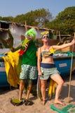 Niet geïdentificeerde man en vrouw in vreemde kostuums bij het jaarlijkse festival van Freaks, Arambol-strand, Goa, India, 5 Febru Royalty-vrije Stock Afbeeldingen