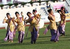 Niet geïdentificeerde mooi in actie tijdens de Universitaire Spelen van 40ste Thailand Royalty-vrije Stock Fotografie