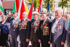 Niet geïdentificeerde veteranen tijdens de viering van Victory Day GOM Royalty-vrije Stock Afbeeldingen