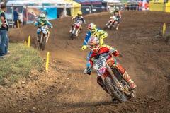 Niet gedefiniëerde ruiter op Pools Motocrosskampioenschap Stock Afbeelding