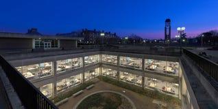 Niet-gegradueerdenbibliotheek bij de Universiteit van Illinois stock afbeelding