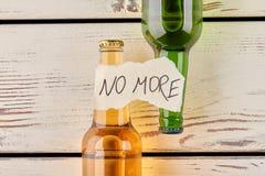 Niet meer alcohol en dronkenschap stock afbeeldingen