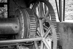 Niet meer gebruikte en verworpen machines in de mijnbouw stock fotografie