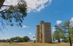 Niet meer gebruikte Korrelsilo's Shelbourne Victoria Australia stock afbeeldingen