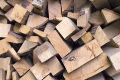 Nietje van biomassa, geschikt brandhout Royalty-vrije Stock Afbeeldingen