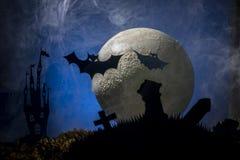 Nietoperze przeciw tłu księżyc, Halloween zdjęcia royalty free