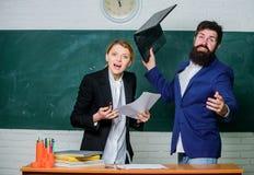 Nieudany egzamin Skromna wiedza temat Wchodzi? do szko?a ?rednia Komisji kwalifikacyjnej poj?cie Nauczyciel i pedagog zdjęcia stock
