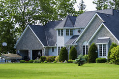 Nieuw Amerikaans huis royalty-vrije stock afbeeldingen