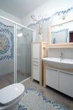 Nieuw badkamersbinnenland Stock Afbeeldingen