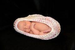 Nieuw - de geboren slaap van het Babymeisje Stock Afbeelding