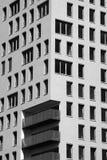 Nieuw flatgebouw Stock Afbeeldingen