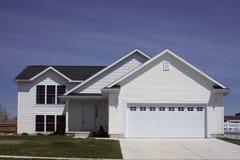 Nieuw generisch huis, Royalty-vrije Stock Afbeelding