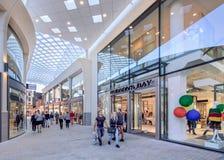 Nieuw Hudson's-Baaiwinkelcomplex in de stadscentrum van Tilburg, Nederland Royalty-vrije Stock Foto