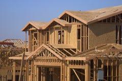 Nieuw huis en huis Stock Fotografie